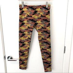 🎁4/20$🎁 yellow & orange camo leggings